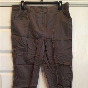 Courtenay Capris size 12 with zipper leg